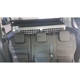 Housses sur mesure : simili cuir pour les sièges arrière et cordura pour les sièges avant